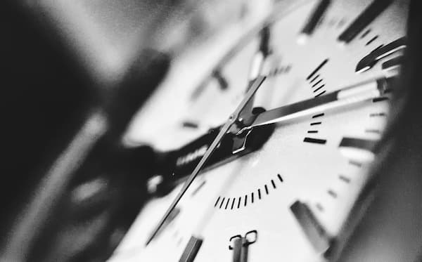 AI-save-time-responding-to-leads-clock-marketing