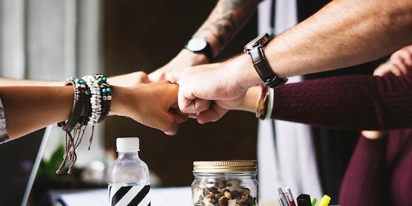 bracelets-collaboration-colleagues-398532-111437-edited