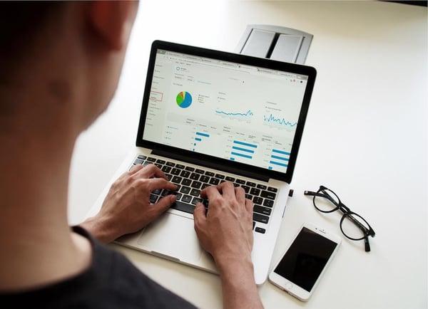 startup-revenue-chart